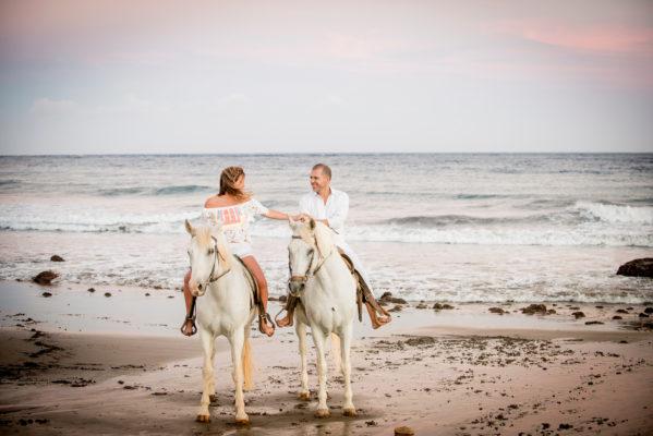 Fotografía de pareja en la playa